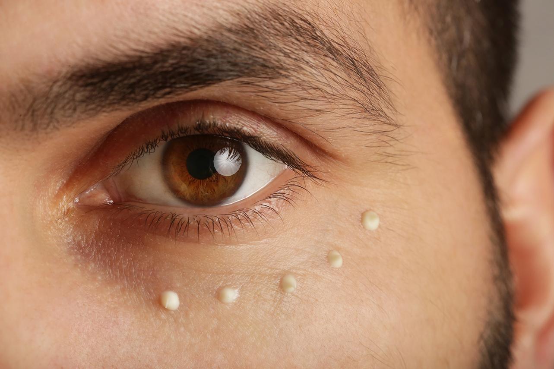 Wie du deine Augenpartie richtig pflegst - Bild: triocean|Shutterstock.com