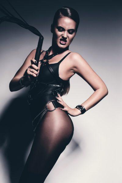 Alina – Black is hot